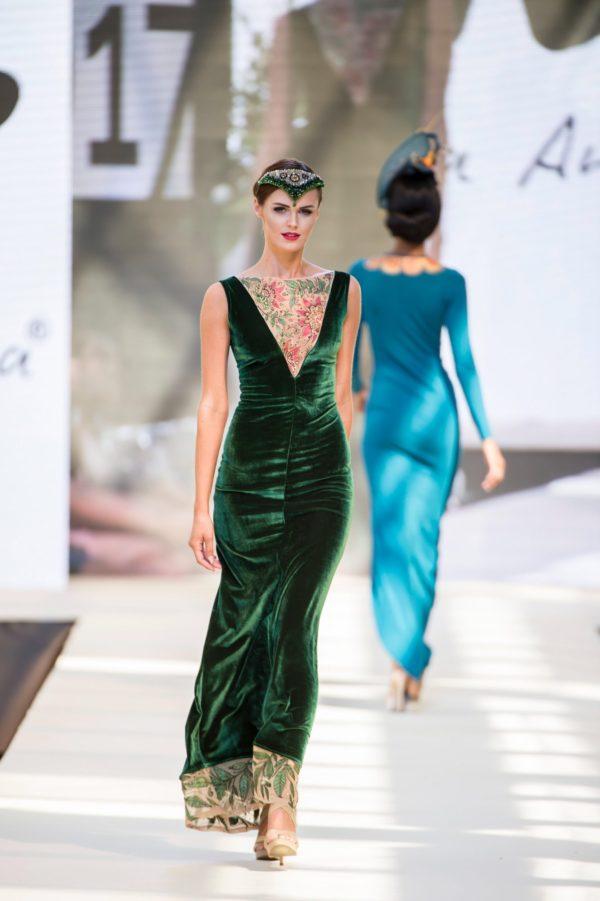 Šaty sametové zelené
