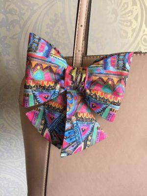 Mašle duhový motýl