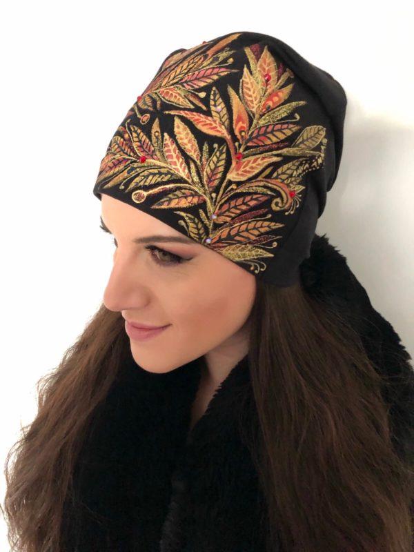 Čepice zlatočervené listy